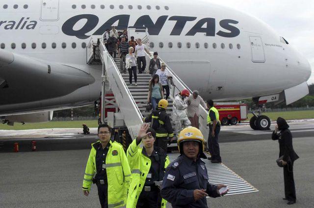 澳航A380客机引擎爆炸,迫降新加坡劫后余生(组图) - 刻薄嘴 - 刻薄嘴的网易博客:看世界
