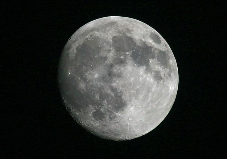 (原创摄影)月是故乡明 - 经哥(曾经拥有) - .
