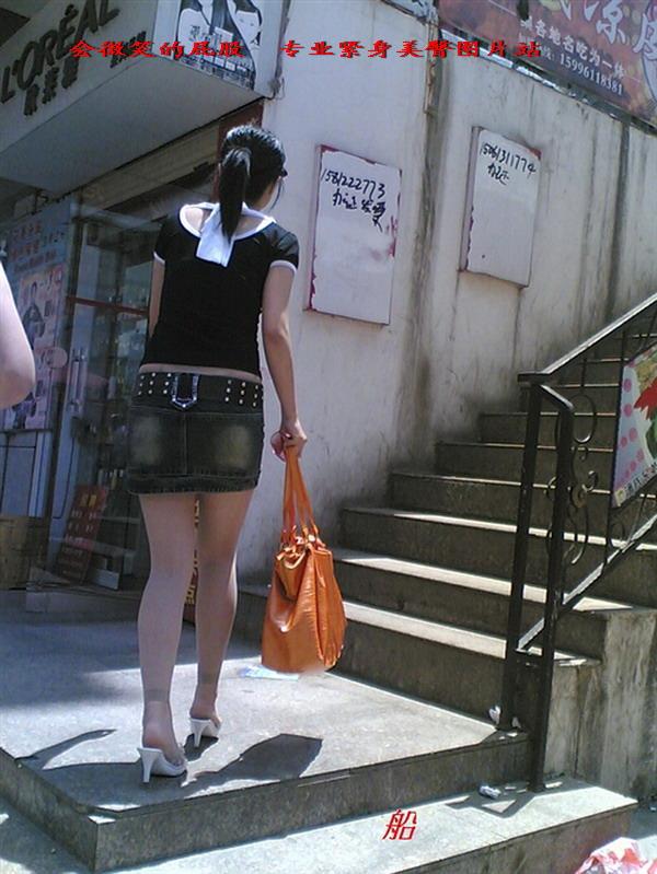 婀娜的背影,让人浮想联翩! - 源源 - djun.007 的博客