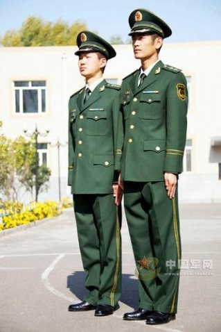 武警07式冬常服亮相 军官面临一年四季打领带  - 军心飞扬 - 军心飞扬