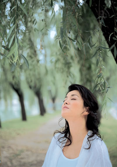毛阿敏 - 水无痕 - 明星后花园