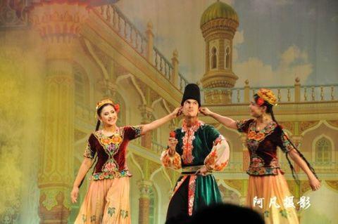 大巴扎新疆民族歌舞 - 阿凡提 - 阿凡提的新疆生活