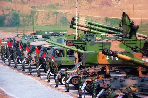 资料图:解放军陆军新装备展示-真高兴 大批制约中国武器发展的技术