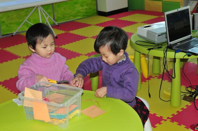 活动报到:参加爱心树兔年新春亲子读书会与做手工