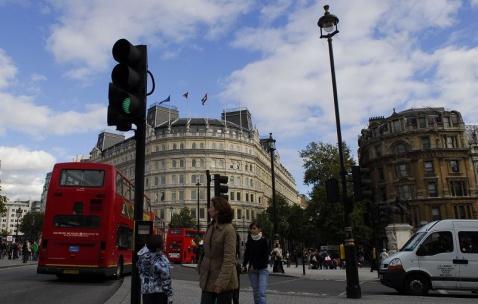 伦敦街头的车 - pwezxjg - 凝听静思