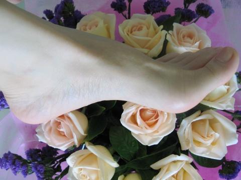 在这里添加日志标题挡不住的诱惑之——性感动人的绝美玉足大全美不胜收 - 神秘的黄玫瑰 - sqh_0007 的博客