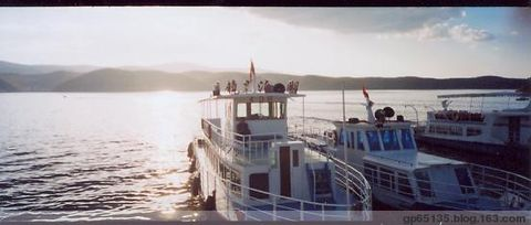 夕阳西下的镜泊湖船港 - 六月荷花 -  六 月 荷 塘