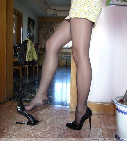 透过袜子看女生 - 心港 - 心港