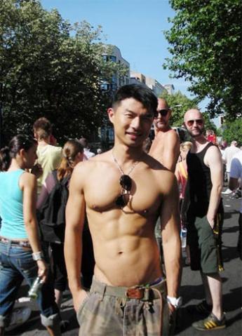 香港男名模爆同性恋情史牵涉80名男星 - 大鹏 - 爱熊说——健身达人VS时尚先生