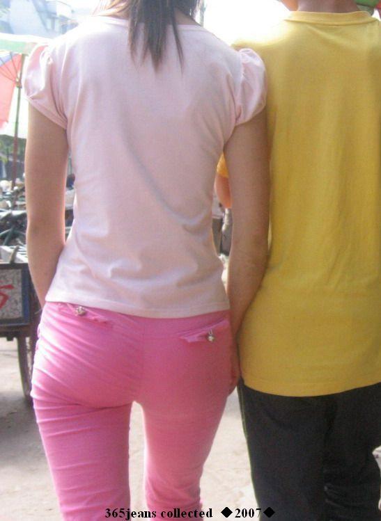 靓影美臀之粉色七分紧身裤