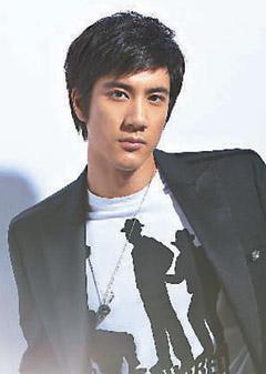 王力宏向偶像致敬 翻唱MJ经典歌曲 - 音乐超人 - 音乐超人