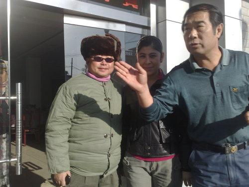 《红》剧组遭遇导演被整蛊 - 江小鱼 - 江小鱼