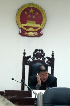 """基层法官不仅仅是""""打手机抽香烟""""的问题 - 碧浪 - bilang1190 的博客"""