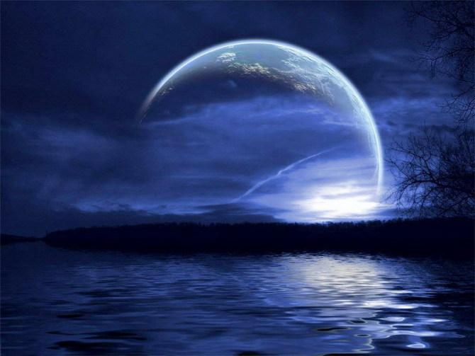 月亮在天上
