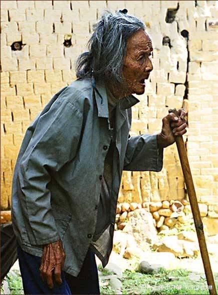 一个老人去世的全过程,看了想哭 - 萧辉 - 梦想腾飞