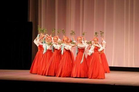 看俄罗斯小白桦歌舞团的来京演出 - 无眠月 - 春天慢慢向我们走近……
