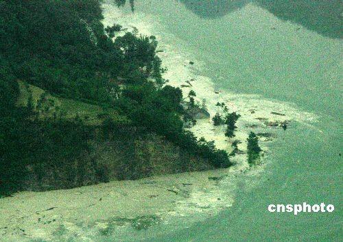 北川堰塞湖水位上涨 已淹没一个乡 - 依恋 - 健康乐园