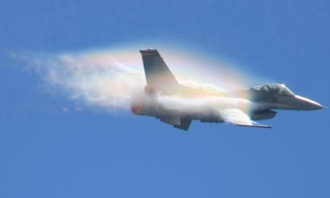 F-16喷气式战斗机