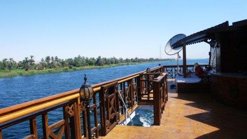 埃及行记(2)——尼罗河上的游轮 - 米兰Lady - 兰笺