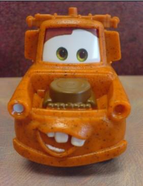 这是最新一期麦当劳儿童套餐所送的玩具