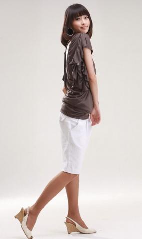 今夏流行的短裤t恤 搭配