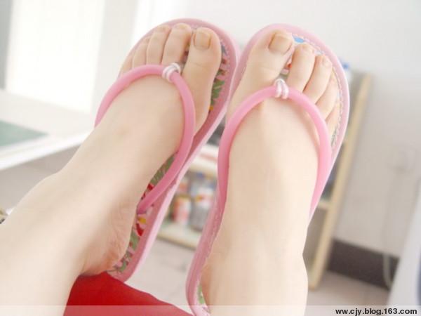 引用 漂亮的脚是女人的骄傲 - 海丽 - 香吻