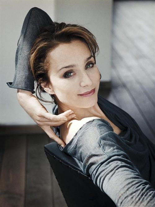 蝶影抄:英国美女最优雅 - 赵焰 - 赵焰的博客