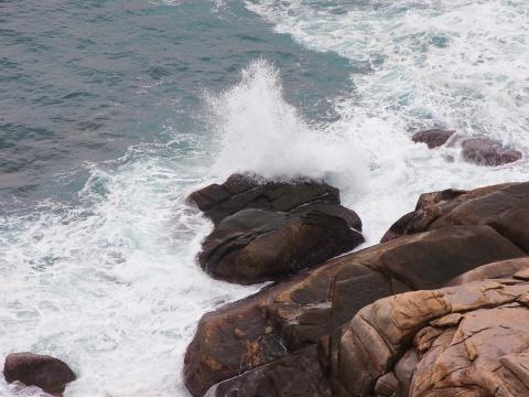 激浪拍石 - daikang390505 - 我的博客