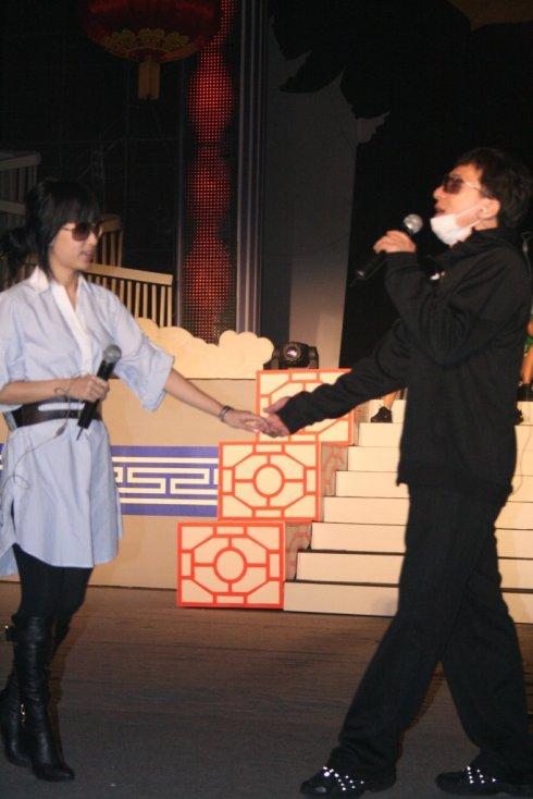 跟成龙大哥牵手合唱美丽的神话 - 韩国媚眼天使sara - 韩国媚眼天使sara   博客