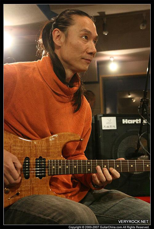 唐朝乐队新专辑录制过半唐朝老五吉他再展雄风 - 老范 - 老范的博客