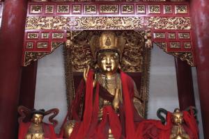 白子殿的佛:Statue of Buddha in the Baizi temple