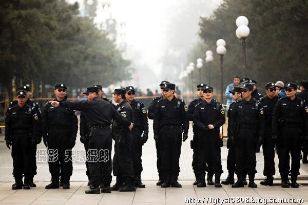 零距离报道保卫两会的首都特警  - ydq200888 - ydq200888的博客