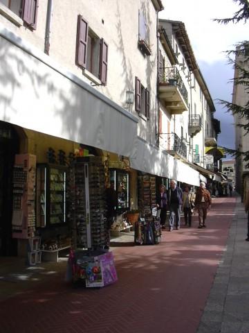 (原创)袖珍小国圣马力诺---拍于2005年10月04日 - 风和日丽(和佬)  - 鹿西情结--和佬的博客