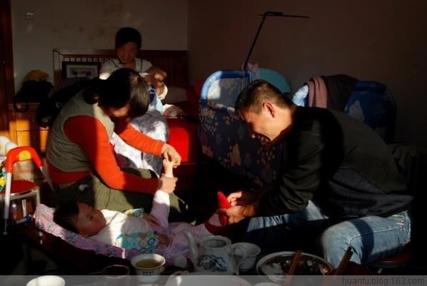 (11.30)家有千金489天:脱衣服的动作 - AF摄影(蹈海踏浪) - 青岛AF摄影工作室