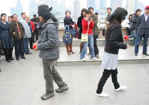 王军08油画作品首次北京热卖中。。。 - 安静的电吉他 - 王军 行为艺术