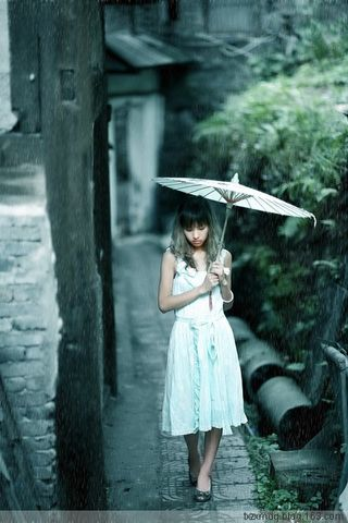 配乐诗朗诵《雨巷》(原) - 风中白帆 - 风中白帆