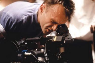 """奥斯卡最佳导演丹尼.博伊尔:""""现实主义是我们的基础 - 外滩画报 - 外滩画报 的博客"""