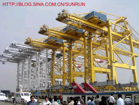 中国机械工业的骄傲,民族工业的自豪------访上海振华港机有感 - 太阳轮 - li-yimin的博客