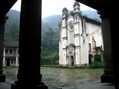 成都郊外山坳里,竟藏着如此原汁原味的法国教堂 - 朱达志 - 朱达志的博客