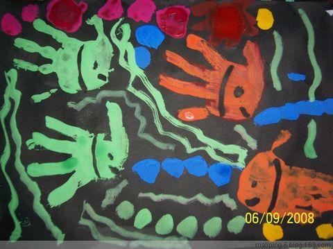 中班手掌印画:鱼 - 雨心美术室的日志 - 网易博客图片