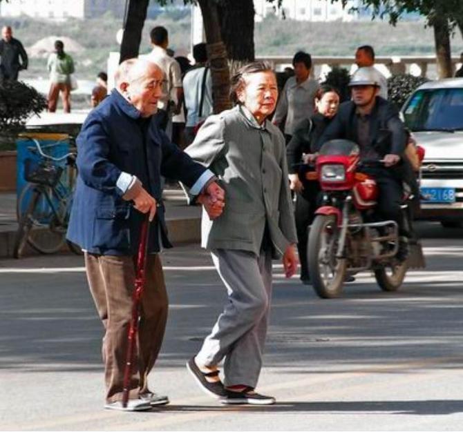 """老人""""多情""""益长寿 - 含男 - 含难欢迎朋友的光临!"""