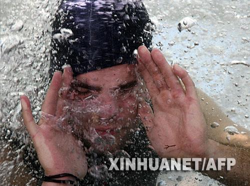 匈牙利男子创造水下无氧生存纪录(图) - naoqianneng - 超常智能开发(马承杰)