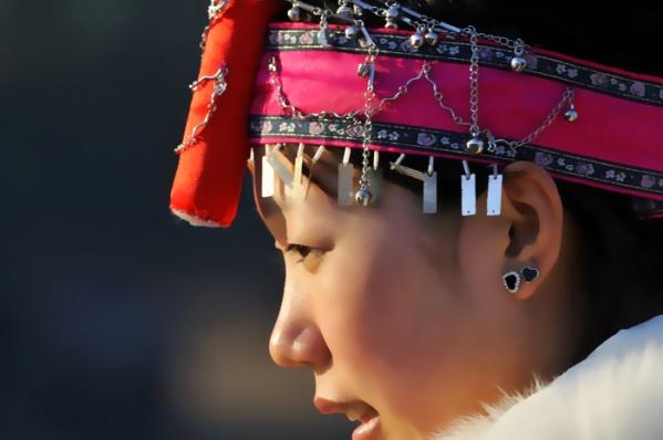 [原创]畲族姑娘 - 雪山老人 - 雪山老人的博客