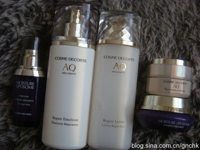 Clarins 新老版瘦臉精華比較及 Cosme Decorte AQ 護膚品用後感 - 小住住 - 住住美妝瘦身分享 (網易版)