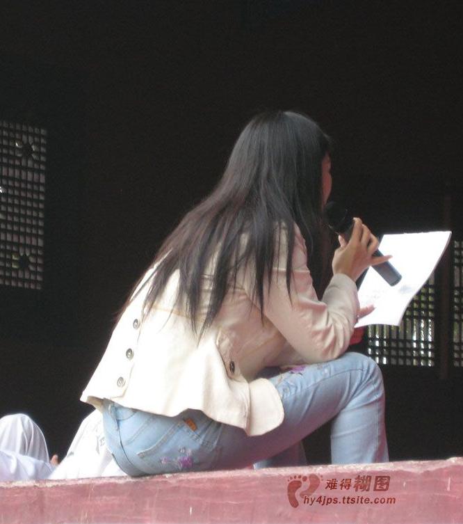 【转载】自我陶醉的牛仔紧臀MM - zhaogongming886 - 东方润泽的博客