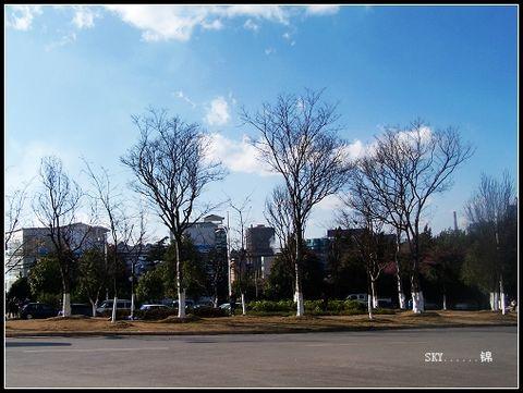 昆明.蓝天白云 - 石头 - 锦の城