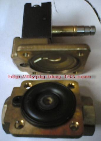 4,    使用6mm内六角拆卸电磁阀上盖; 5,    拆卸先导阀; 6,    清理图片