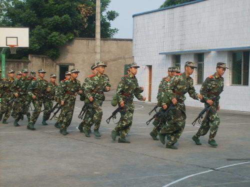 走进武装警察特警部队,看特警训练图片