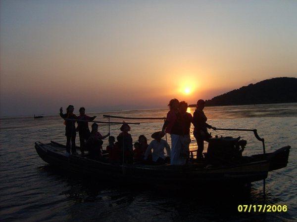 游三山岛记(发表于2009年10月9日) - 欢网2009 - 欢网一堂(2009)