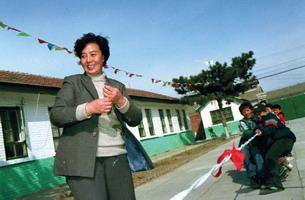 """专访""""太阳村""""创办人张淑琴--""""法律孤儿""""的抚养者 - 外滩画报 - 外滩画报 的博客"""